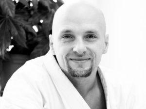Сертифицированный тренер про кроссфит, сэнсей Евгений Ильмов