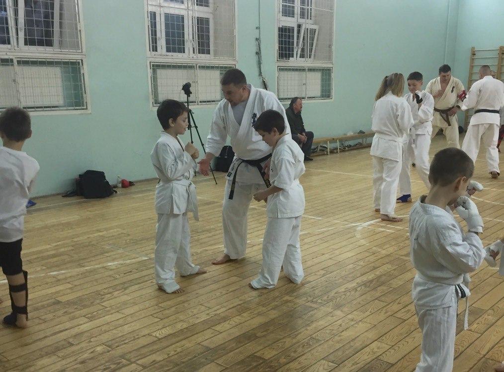 Постичь мастерство у такого именитого бойца, в Мурманск собралось более 150 бойцов