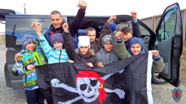 Клуб «ТЭНГУ ПРО» Подготовка бойца Кёкусинкай карате Жгёт резину на Картингах