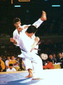 Финал IV чемпионата мира: Мацуи проводит фирменную подсечку под опорную ногу Анди Хуга