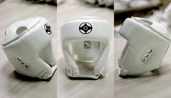 Шлем защитный соревновательно тренировочного типа