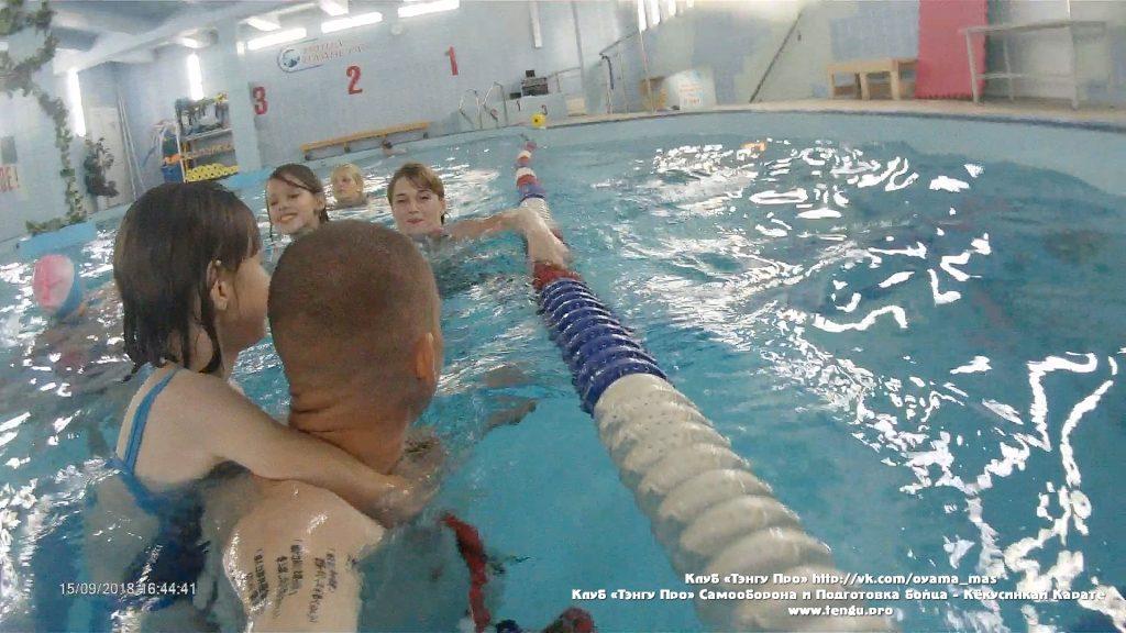 Выбрали время и небольшим составом Клуба «Тэнгу Про» Мурманск сходили в бассейн