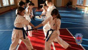 Боец Каратэ Кёкусинкай должен быть готов к тяжелой работе каждый день а ваш ребёнок станет дисциплинирован